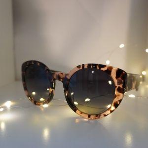 Diff Eyewear Accessories - Diff Eyewear Sunglasses